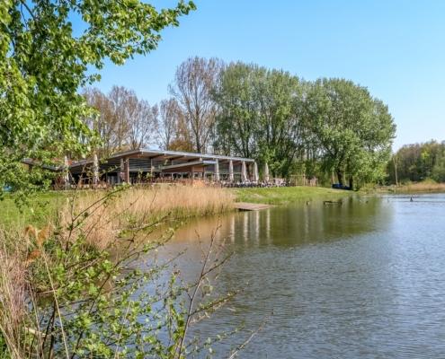 Het zonnigste terras van de regio Rijnmond!