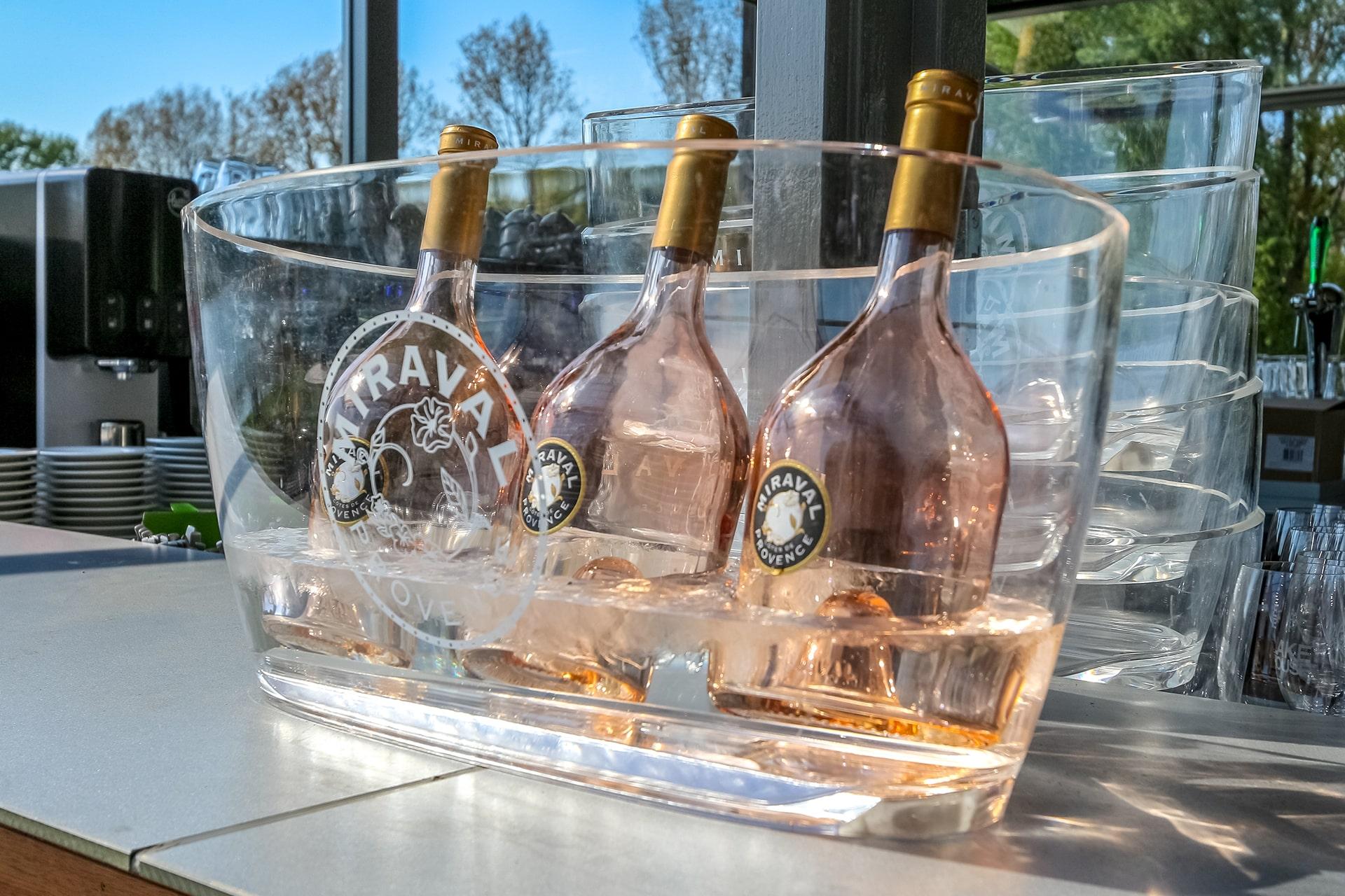 Er gaat niks boven een heerlijke Miraval rosé op een warme zomerdag!