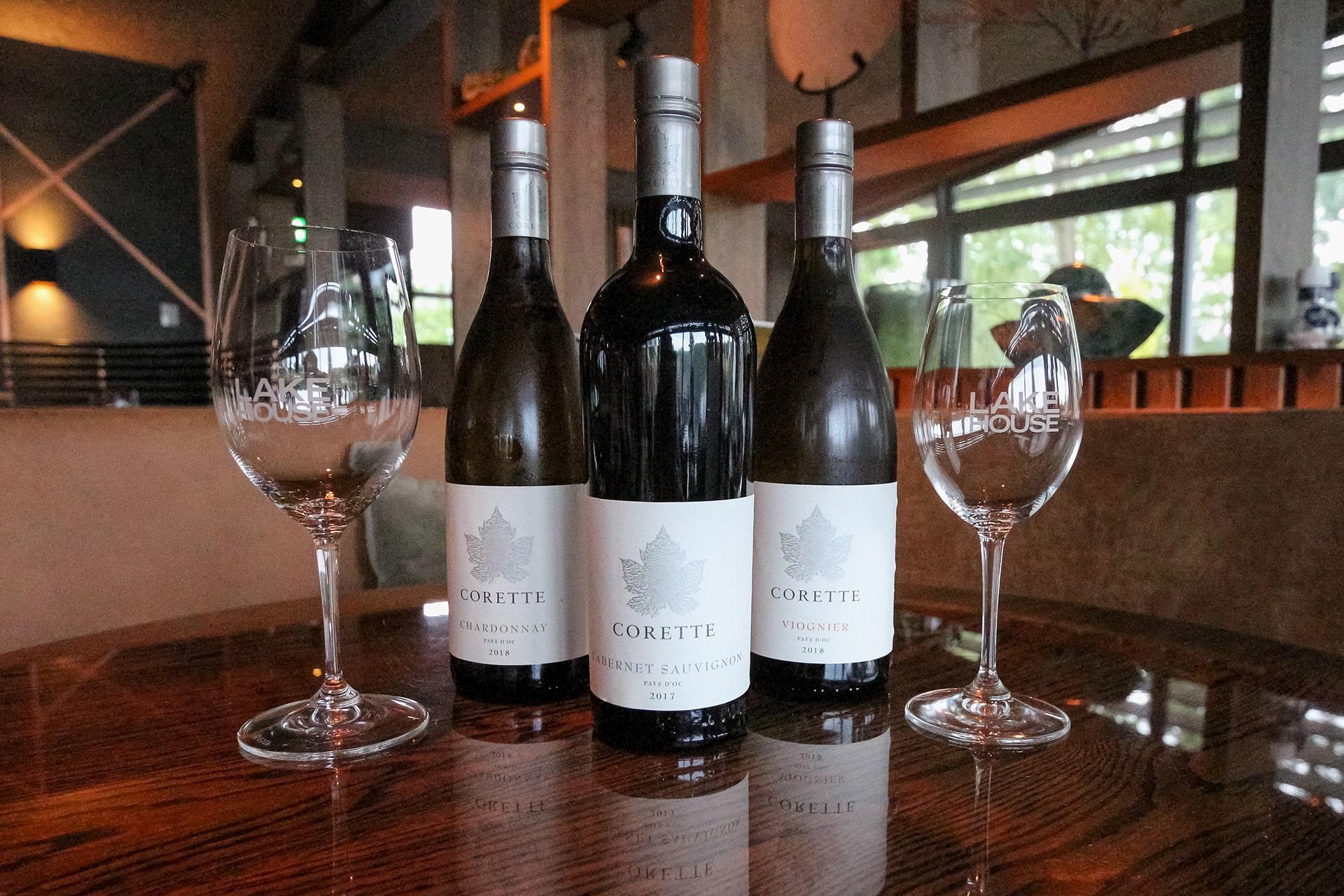 De wijnen van Corette, hardlopers bij Lake House